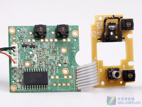 微软舒适蓝影6000鼠标主电路板采用双面走线设计,上面固定主控ic,成像