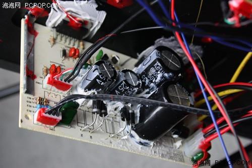 颗tda7265放大芯片,它是ab类双音频功率放大器,25+25瓦立体声功放音箱
